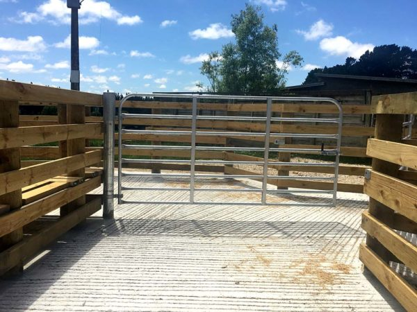 Pole Gate Assembly and Cattle Gate